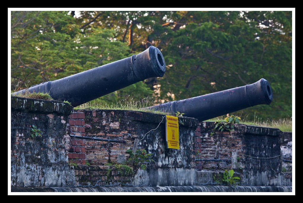 Canons protecting an old fort